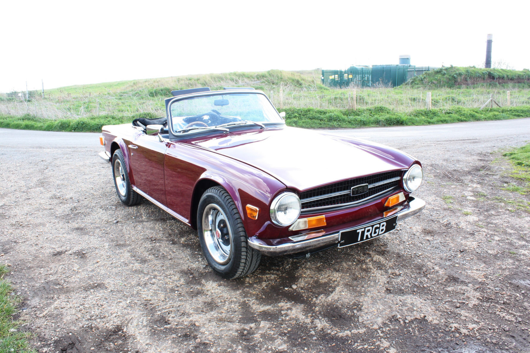 TR6 1971 DAMSON WITH BLACK INTERIOR SOLD (picture 5 of 5)