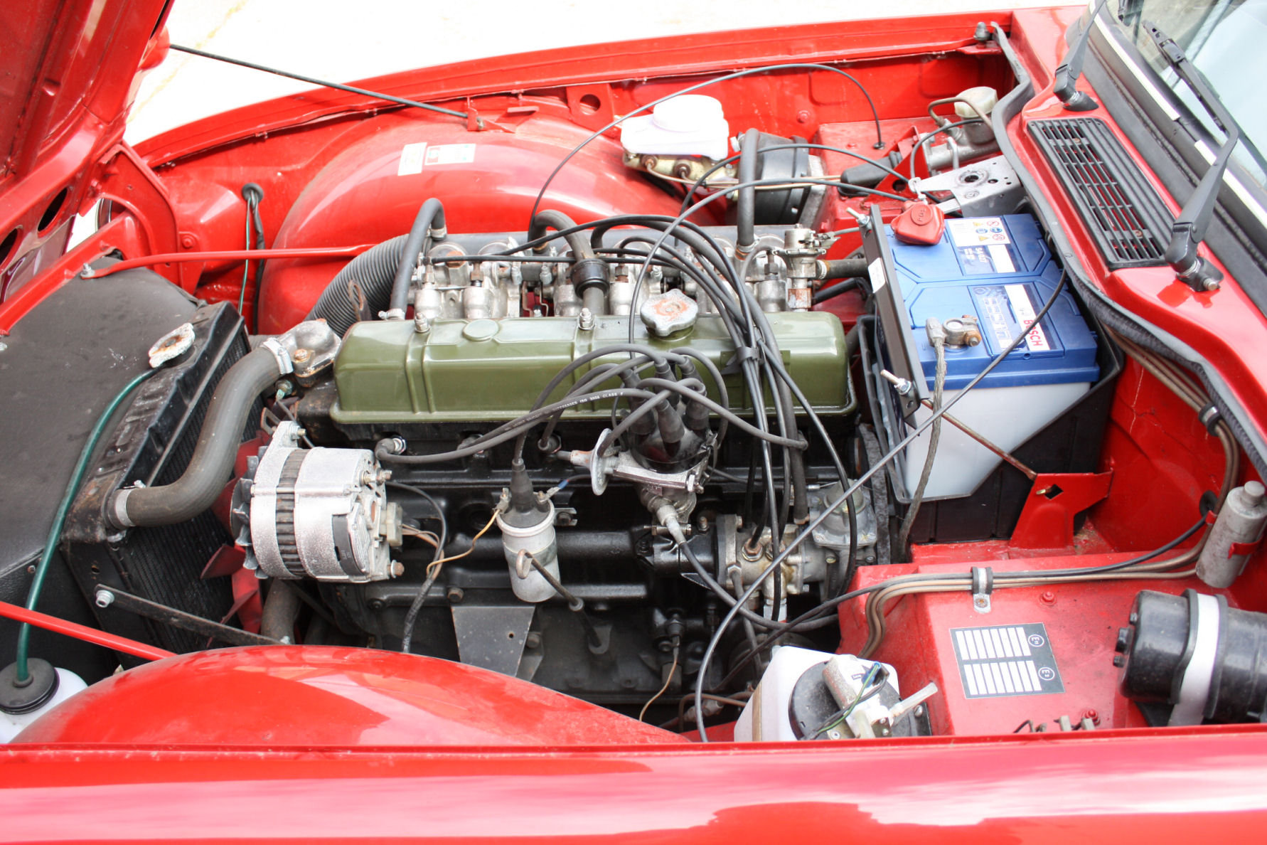 TR6 1974. ORIGINAL UK FUEL INJECTED CAR WITH OVERDRIVE SOLD (picture 4 of 5)