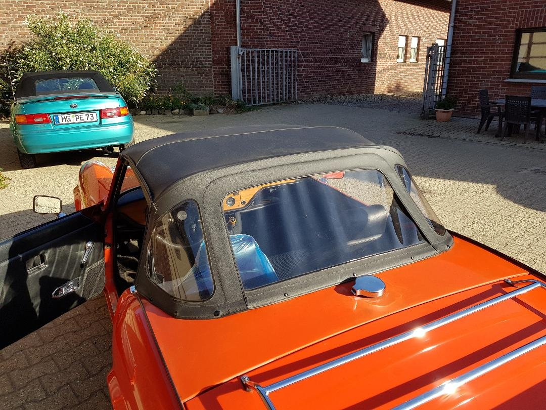 1982 Triumph Spitfire MK4.. first owner and first paint, first in For Sale (picture 5 of 6)