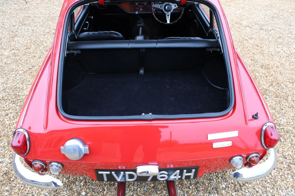 1969 TRIUMPH GT6 MK2 2.5L - SPECIAL CAR - £23,950 For Sale (picture 4 of 12)