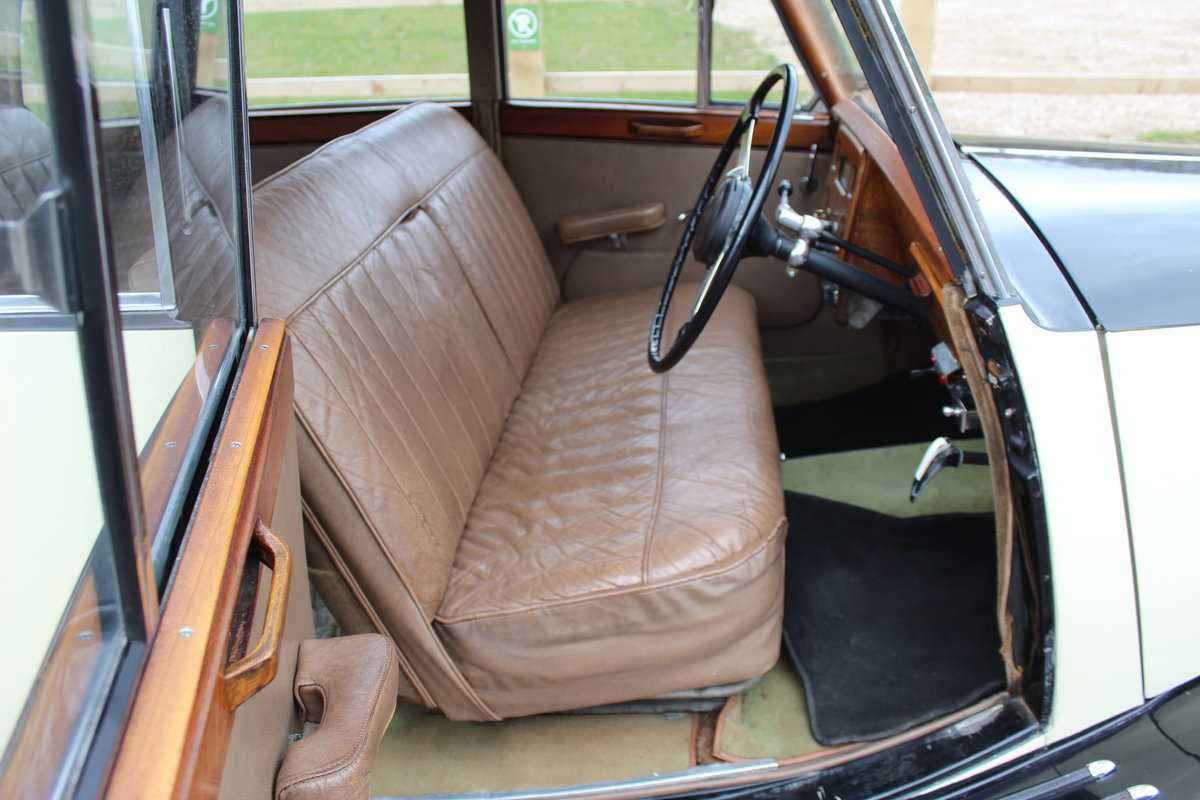 1952 Triumph Renown 2000  Reputedly 28,000 miles SOLD (picture 6 of 6)