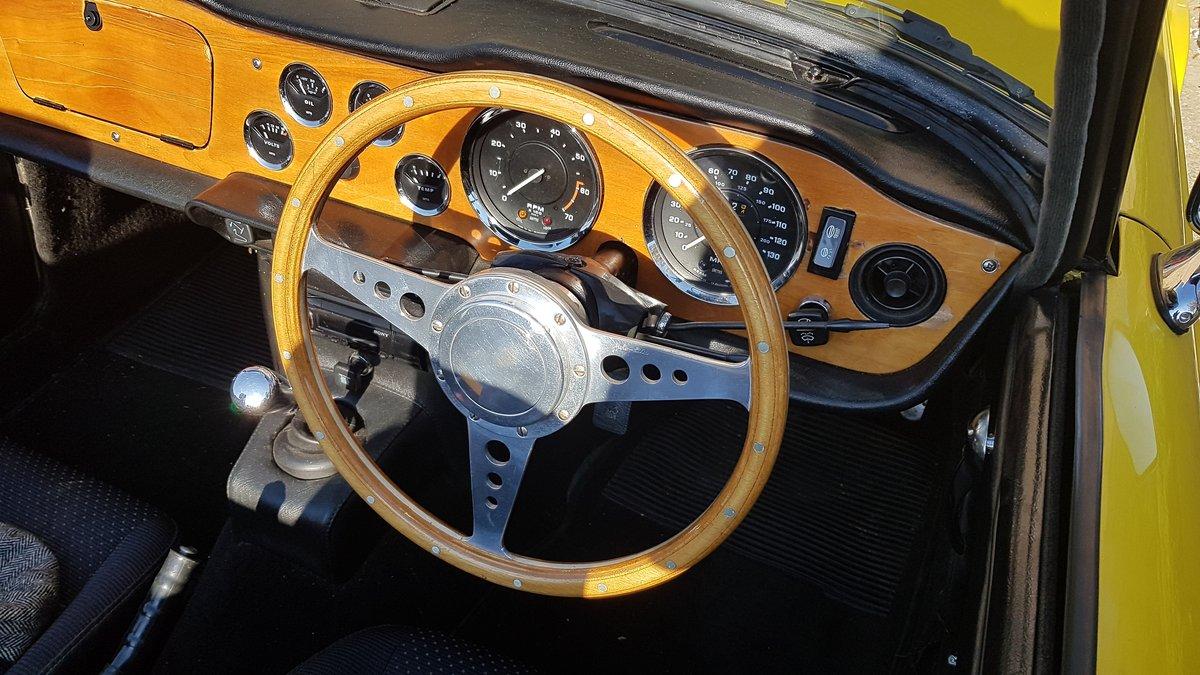 Triumph TR6 1975 for sale For Sale (picture 2 of 6)