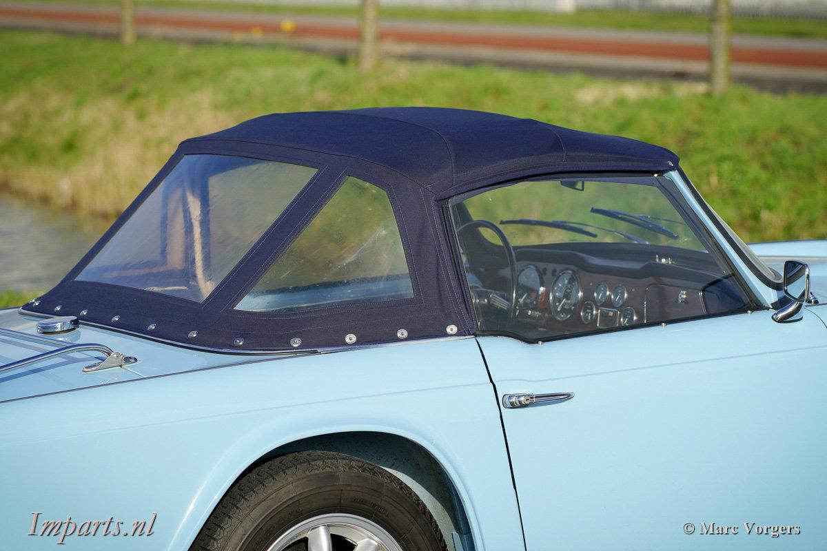 Excellent Triumph TR4 For Sale (picture 4 of 6)