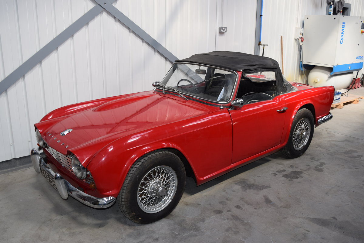 1962 Excellent Triumph TR4 restoration req., complete and running SOLD (picture 1 of 6)