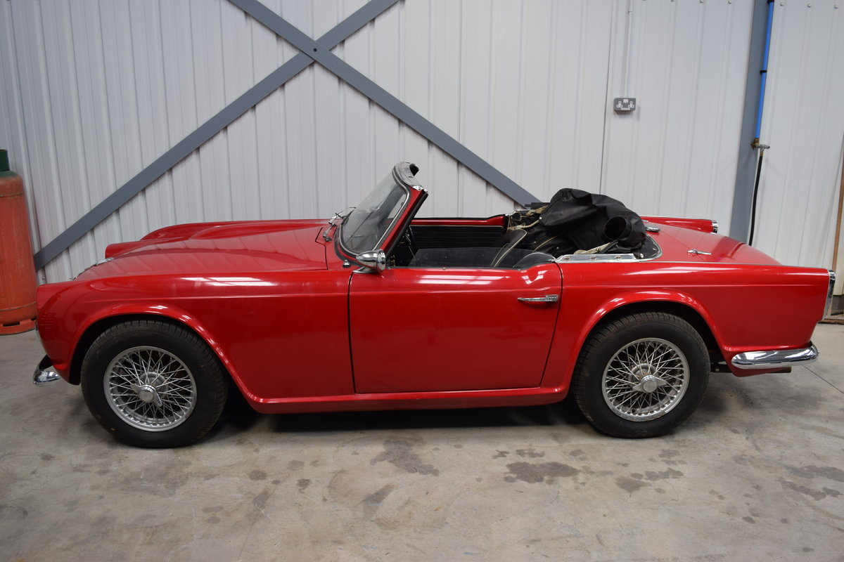 1962 Excellent Triumph TR4 restoration req., complete and running SOLD (picture 2 of 6)