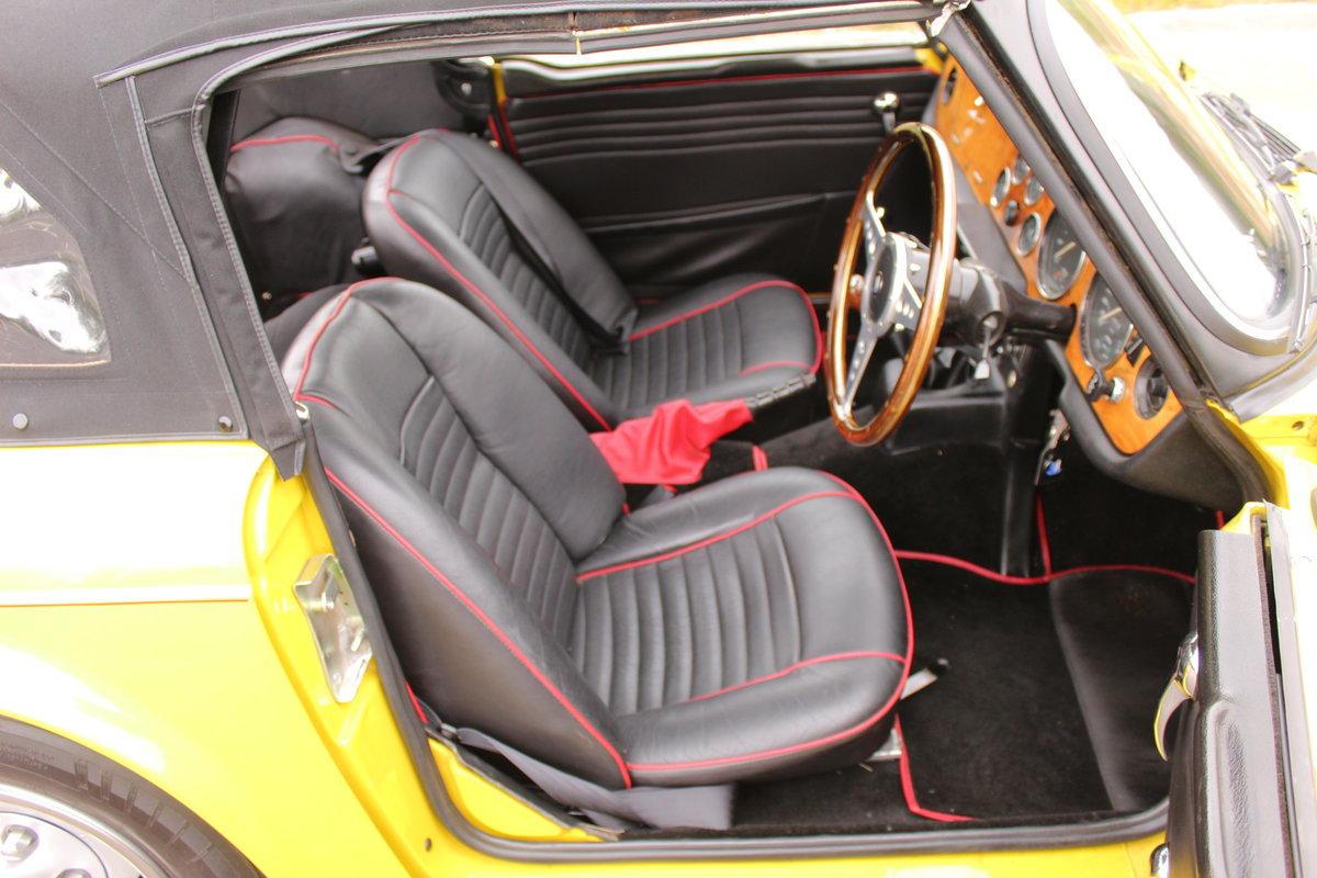 1973 Triumph TR6 With Stromburg Carburetors  BEAUTIFUL SOLD (picture 4 of 6)