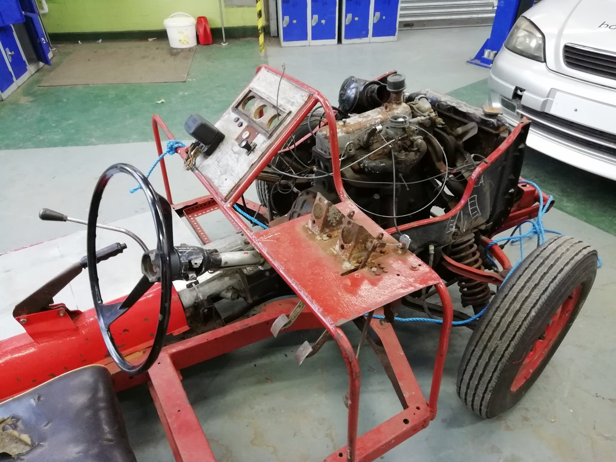 1960 Rare Triumph Herald display chassis. SOLD (picture 2 of 6)