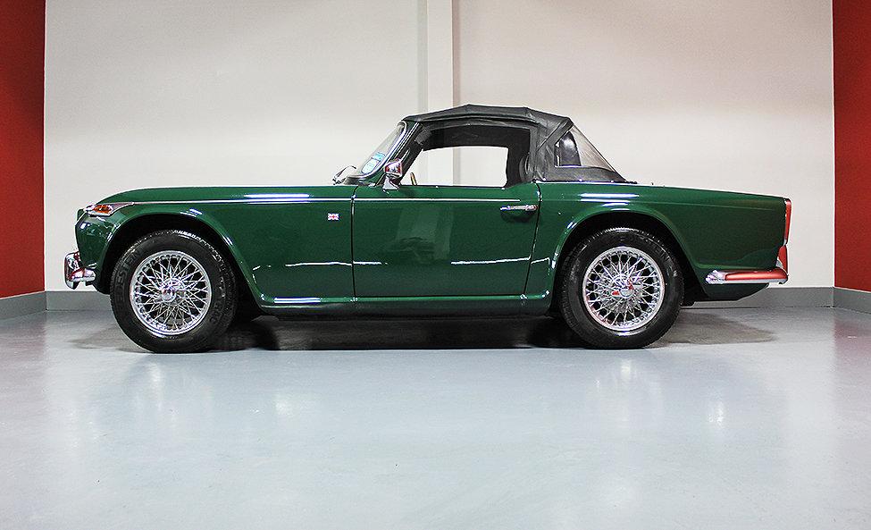 1965 Triumph TR4A  For Sale (picture 1 of 6)