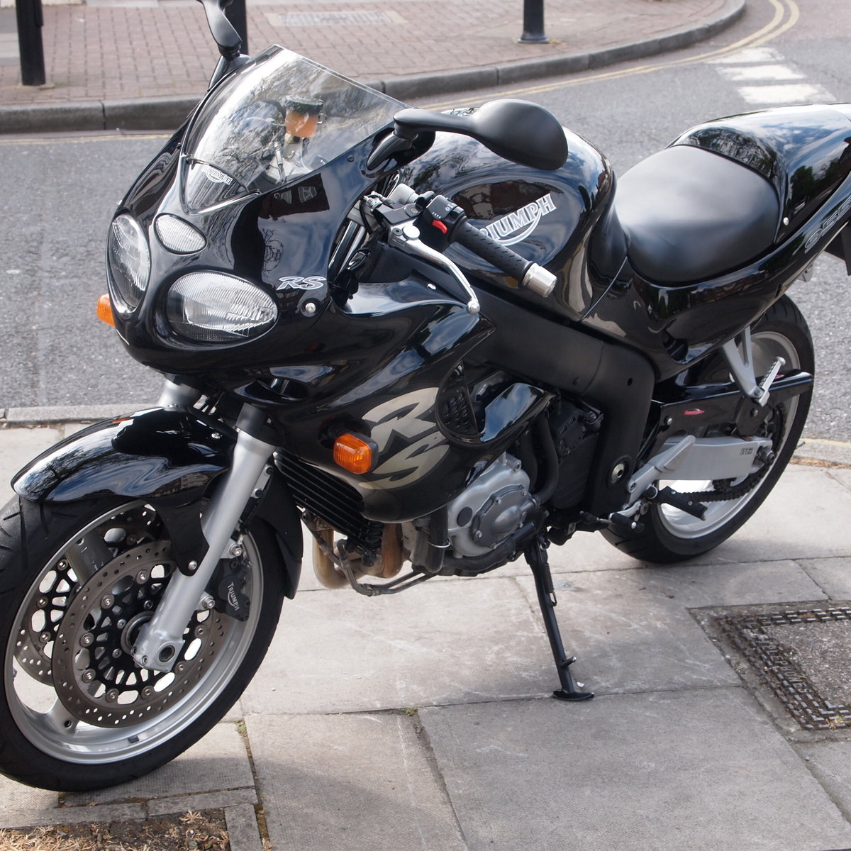 2002 Triumph Sprint RS 955i Immaculate Condition. SOLD (picture 1 of 6)