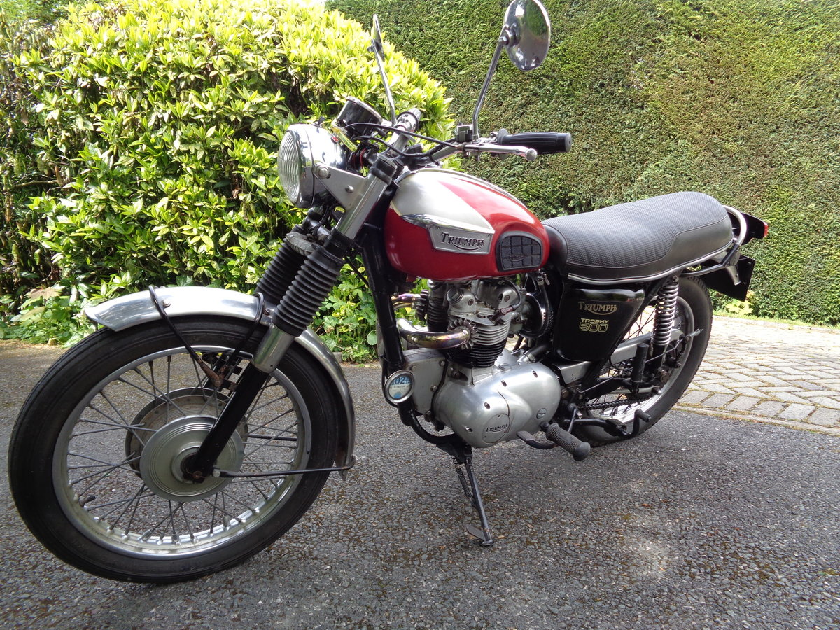 TRIUMPH 500 TROPHY  T100C 1971 MATCHING NUMBERS SOLD (picture 2 of 6)