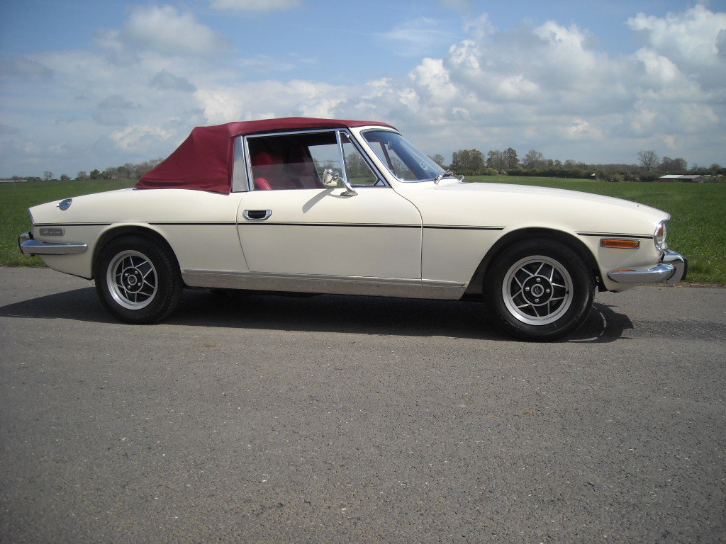 1972 TRIUMPH STAG MK1 AUTO STUNNING THROUGH OUT SOLD For Sale (picture 1 of 6)