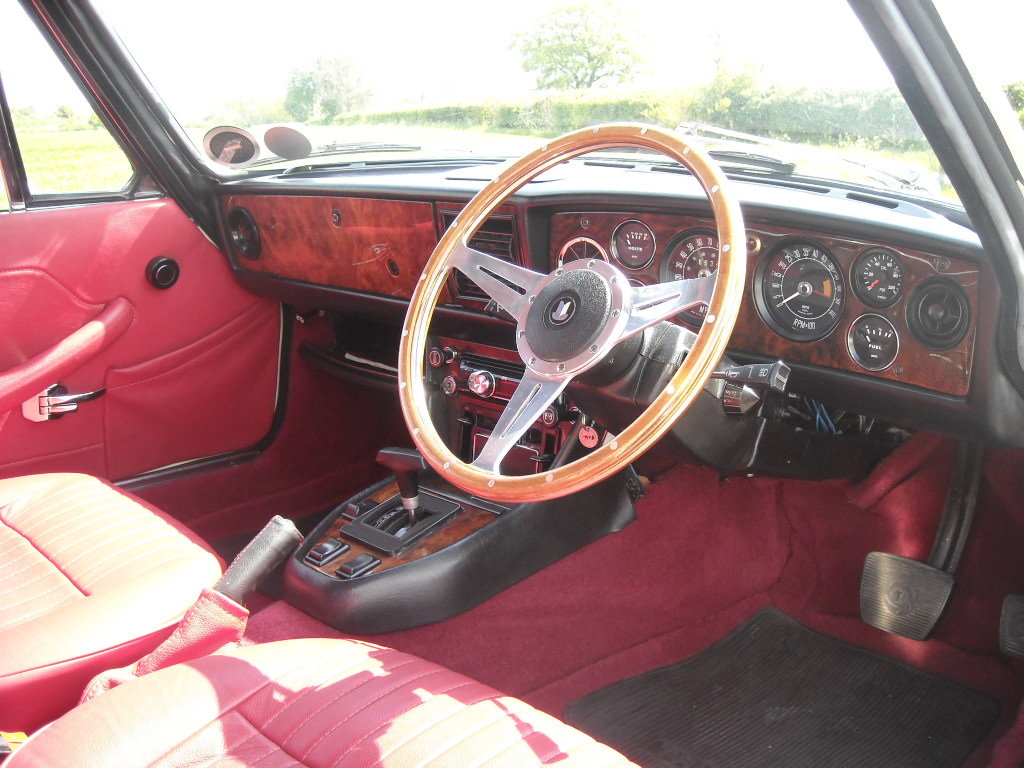 1972 TRIUMPH STAG MK1 AUTO STUNNING THROUGH OUT SOLD For Sale (picture 2 of 6)