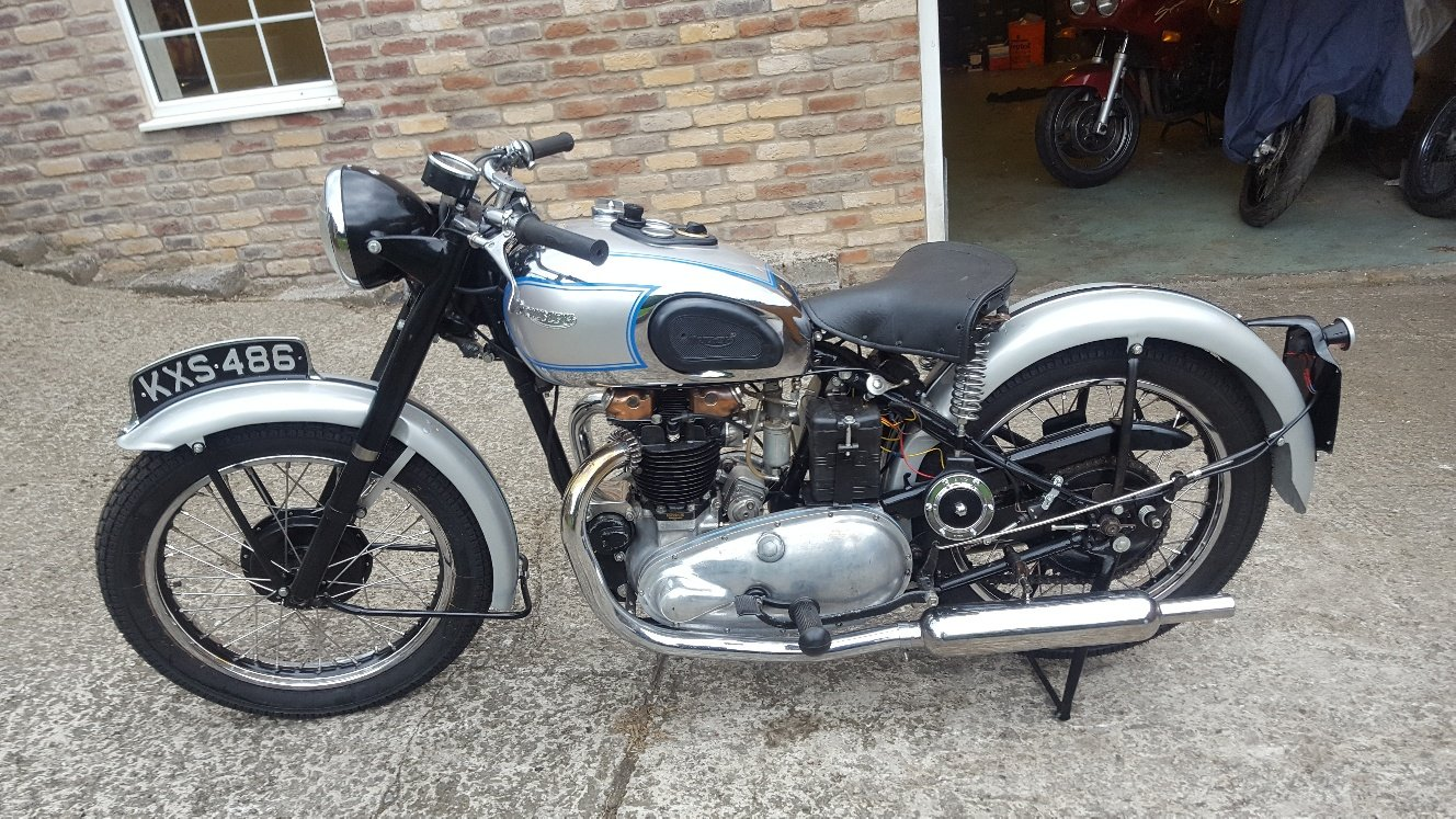 1948 Triumph T100. V5C. Good Runner For Sale (picture 1 of 6)