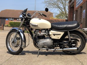 Picture of 1973 Triumph Bonneville T140V 5 speed, 11K SOLD