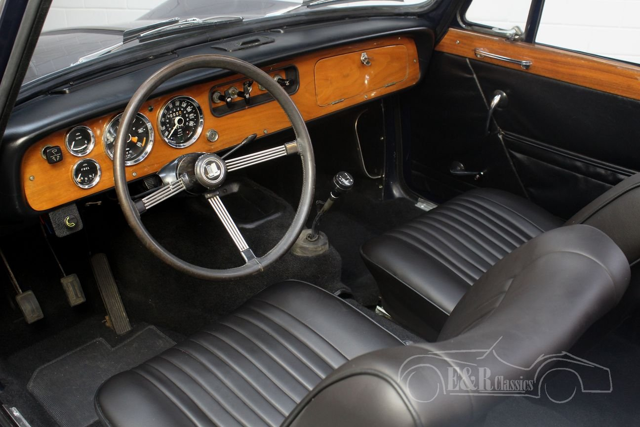 Triumph Vitesse cabriolet 1970 Body-off restored, overdrive For Sale (picture 3 of 6)