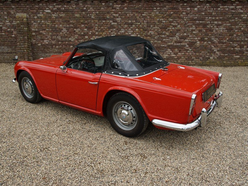 1962 Triumph TR4 convertible fully restored condition For Sale (picture 2 of 6)
