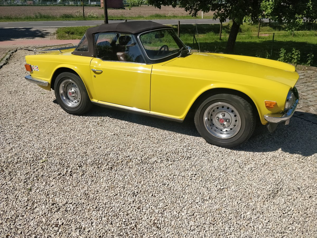 1975 Triumph TR6 '75 Mimosa Yellow  SOLD (picture 1 of 6)