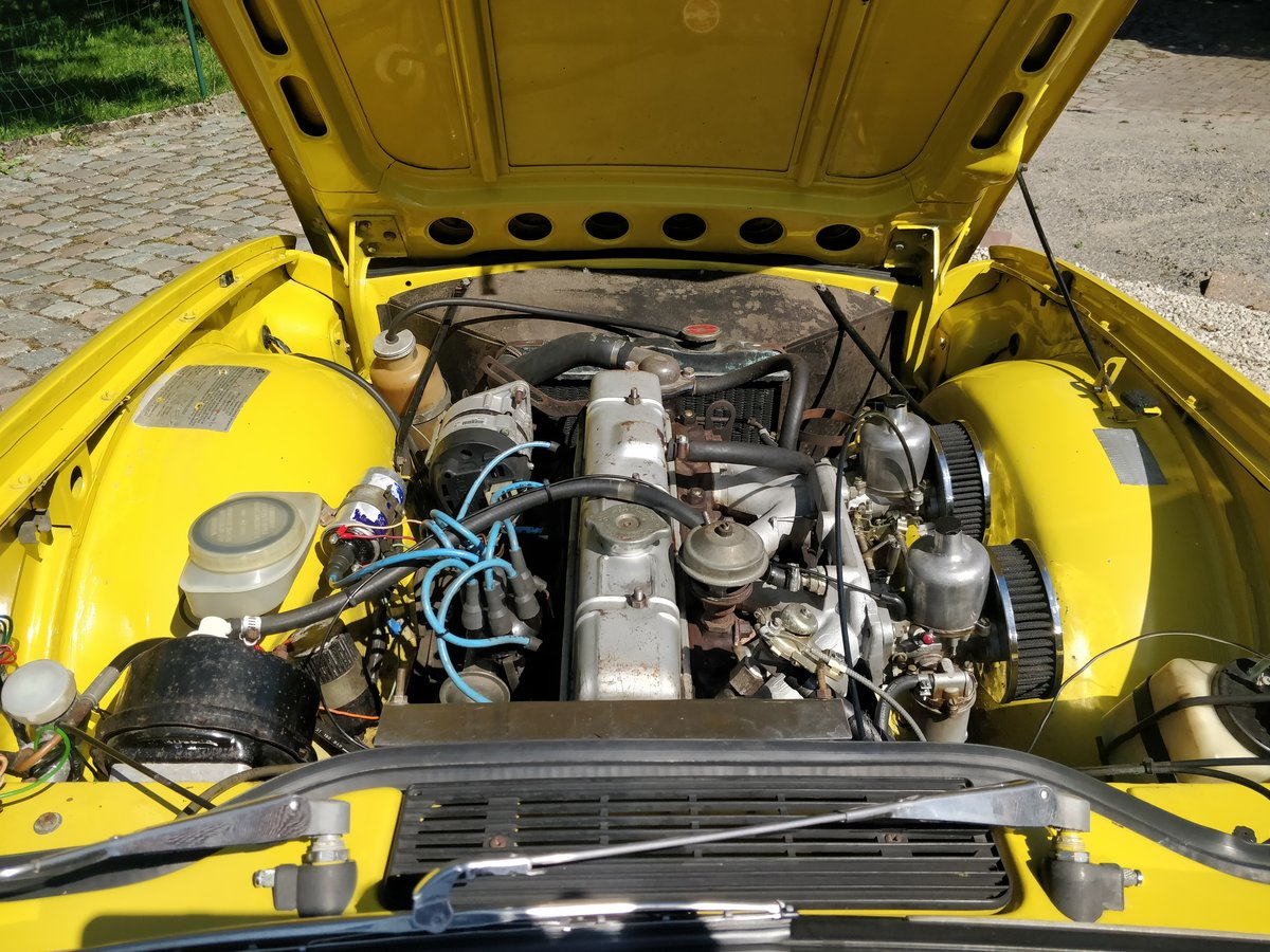 1975 Triumph TR6 '75 Mimosa Yellow  SOLD (picture 6 of 6)
