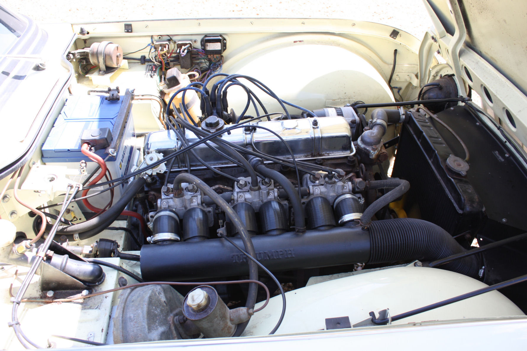 1965 SIX CYLINDER TR4A! (A TR5 ALL BUT IN NAME!)   SOLD (picture 3 of 6)