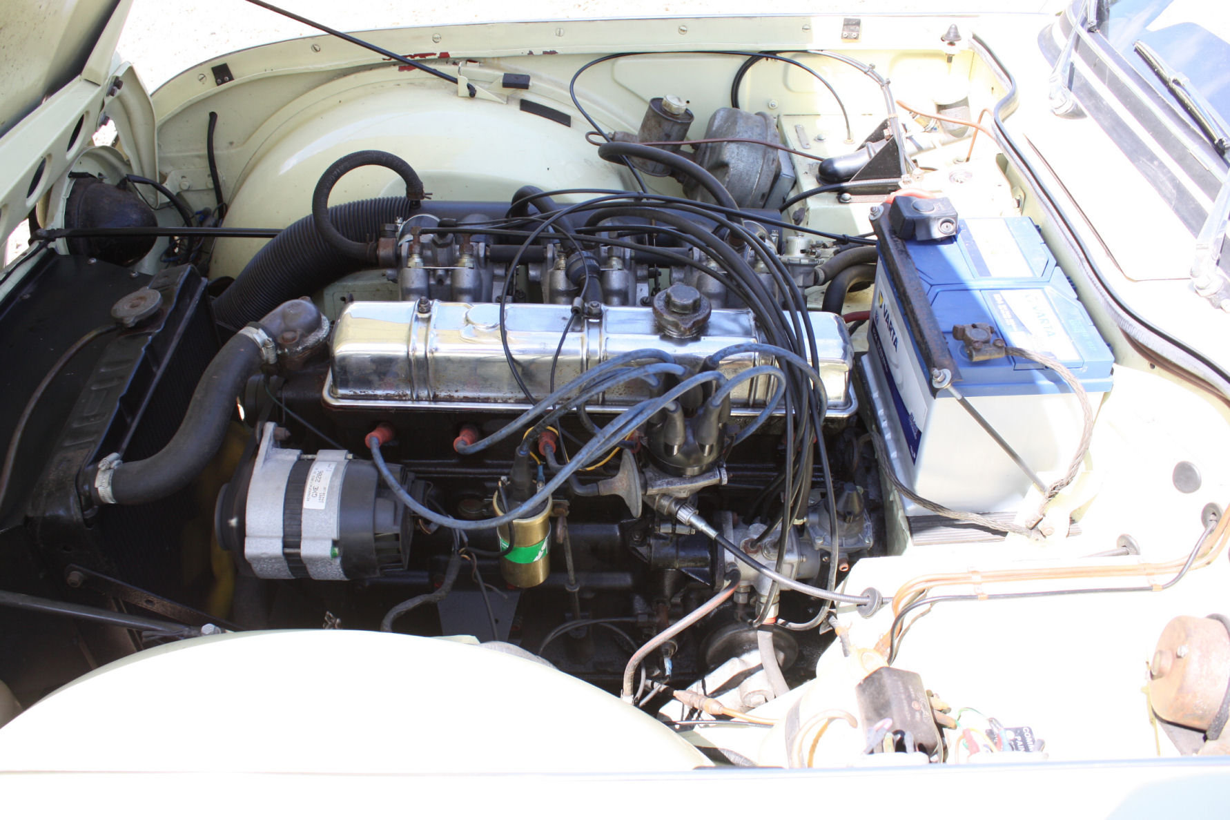 1965 SIX CYLINDER TR4A! (A TR5 ALL BUT IN NAME!)   SOLD (picture 4 of 6)