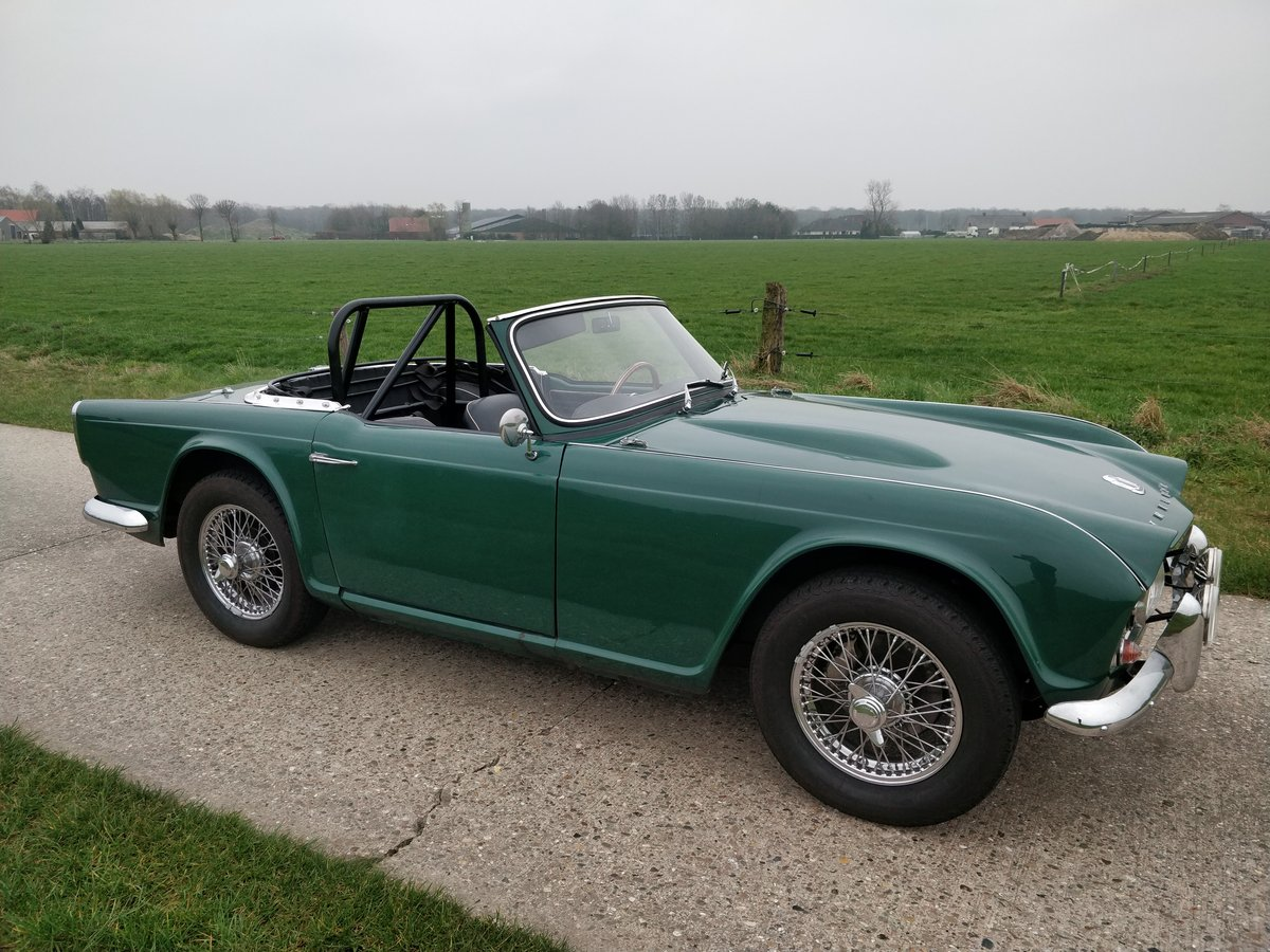 1964 Triumph TR4'64 BRG For Sale (picture 4 of 6)