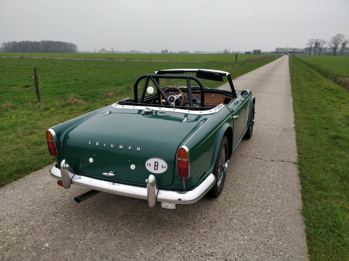 1964 Triumph TR4'64 BRG For Sale (picture 5 of 6)