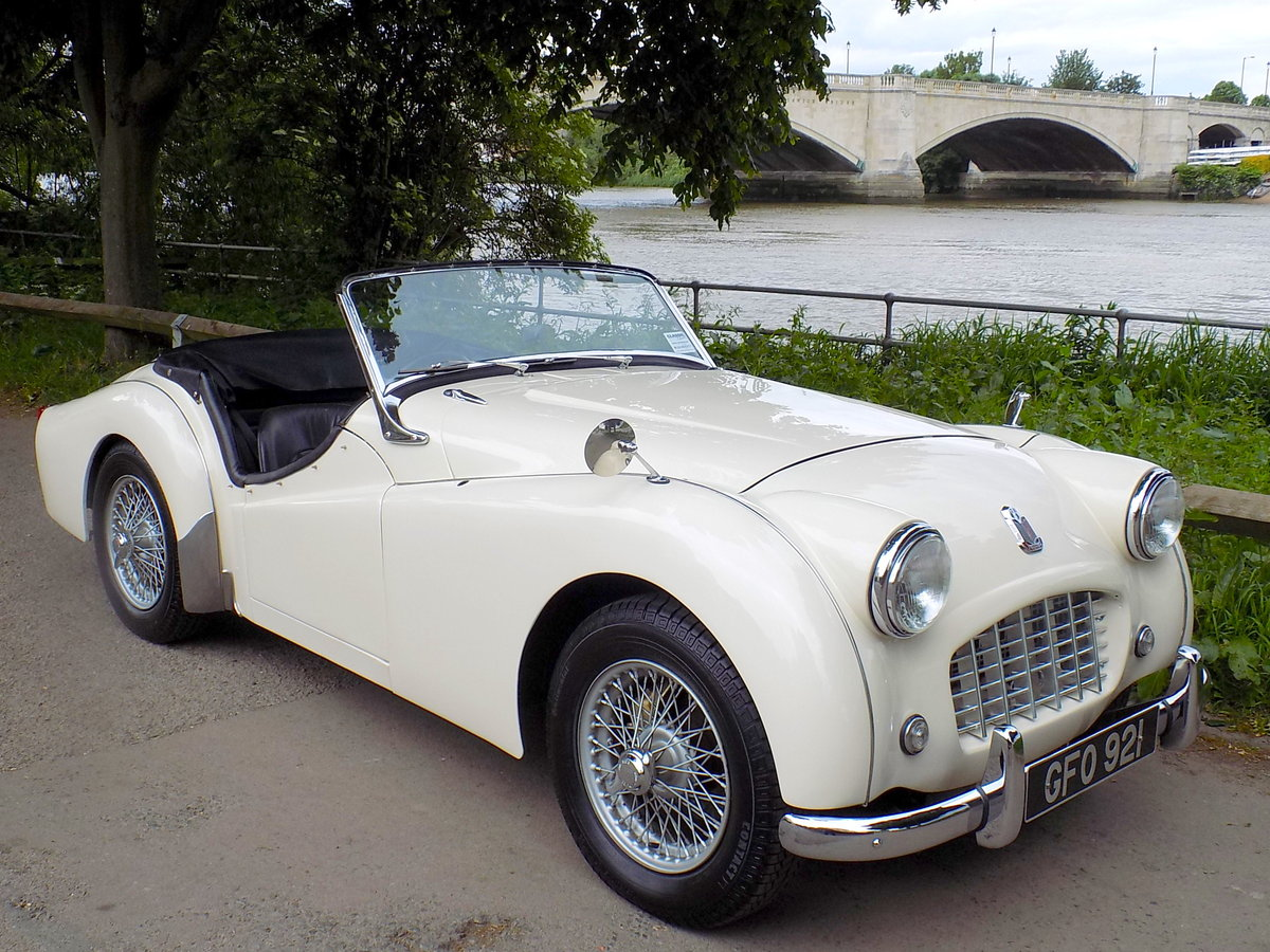 1956 TRIUMPH TR3 - MATCHING NUMBERS - FULLY RESTORED  For Sale (picture 1 of 6)