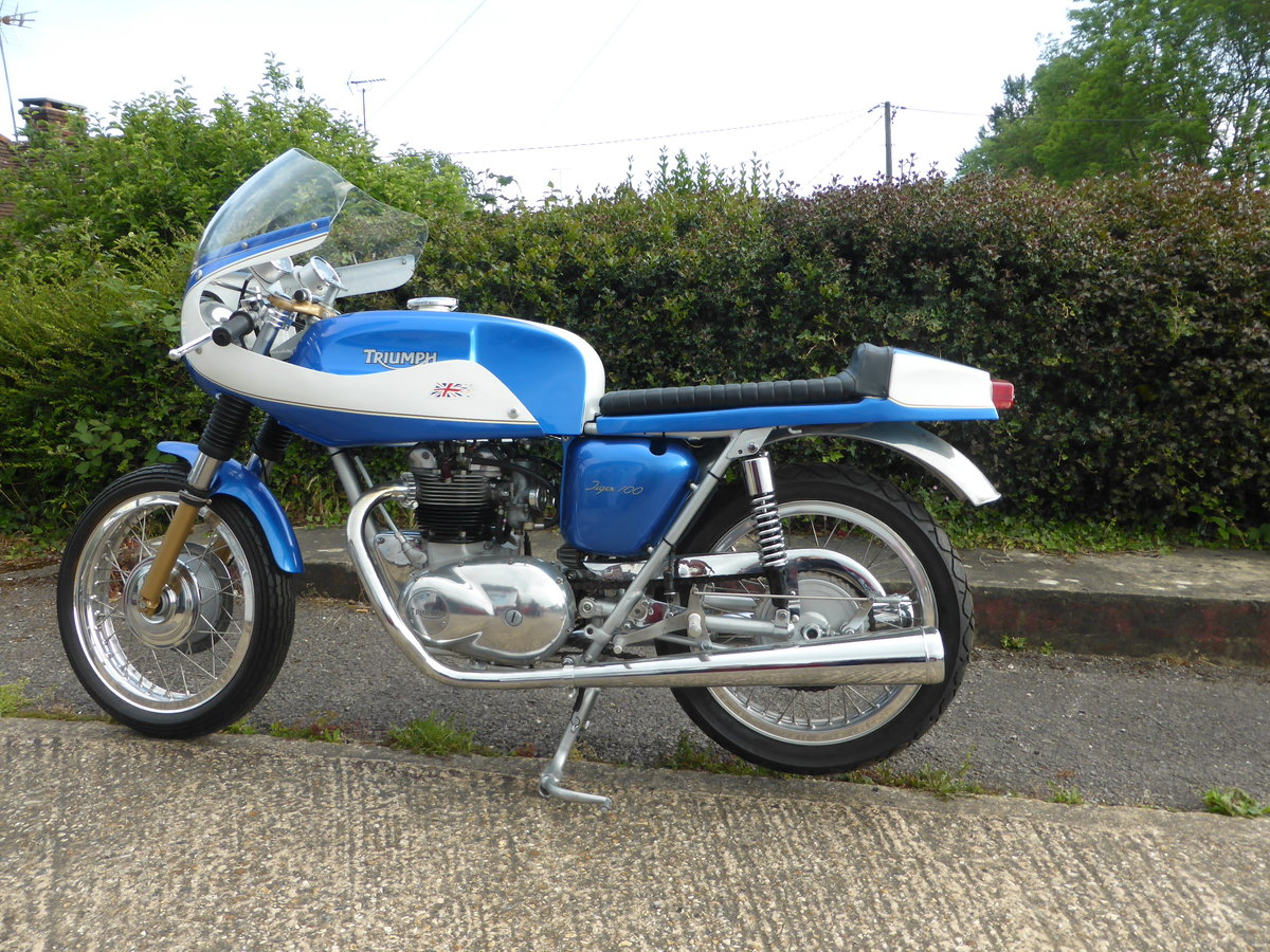 1974 TRIUMPH T100 CAFE RACER For Sale (picture 2 of 5)