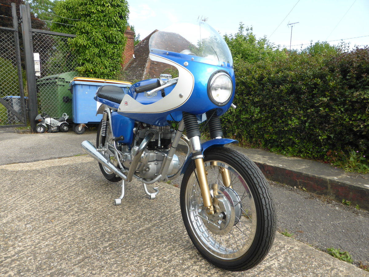 1974 TRIUMPH T100 CAFE RACER For Sale (picture 3 of 5)