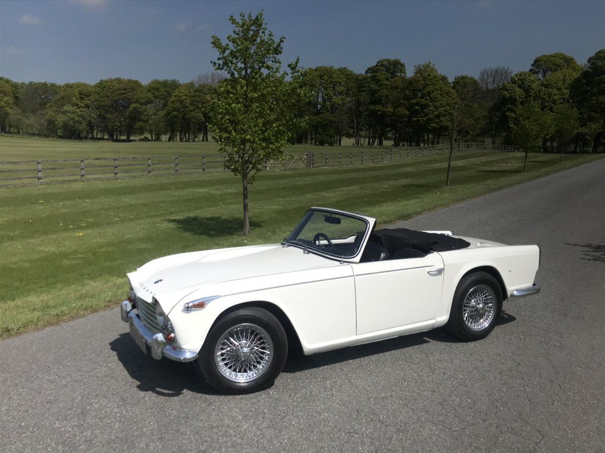 1966 Triumph TR4A 4 speed fitted with overdrive For Sale (picture 2 of 6)