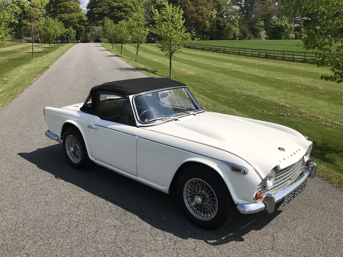 1966 Triumph TR4A 4 speed fitted with overdrive For Sale (picture 3 of 6)