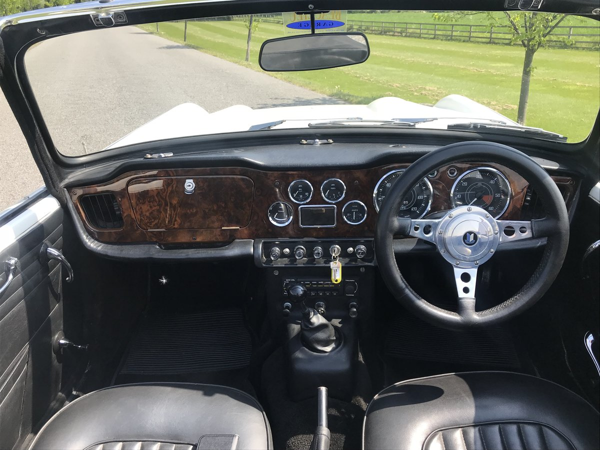 1966 Triumph TR4A 4 speed fitted with overdrive For Sale (picture 4 of 6)