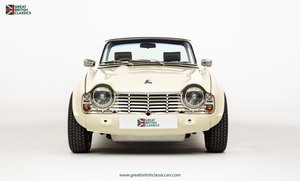 TRIUMPH TR4 // UK MATCHING NUMBER // HISTORIC RACING UPGRADE
