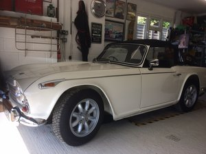 1966 Superb recently restored TR4A sports For Sale