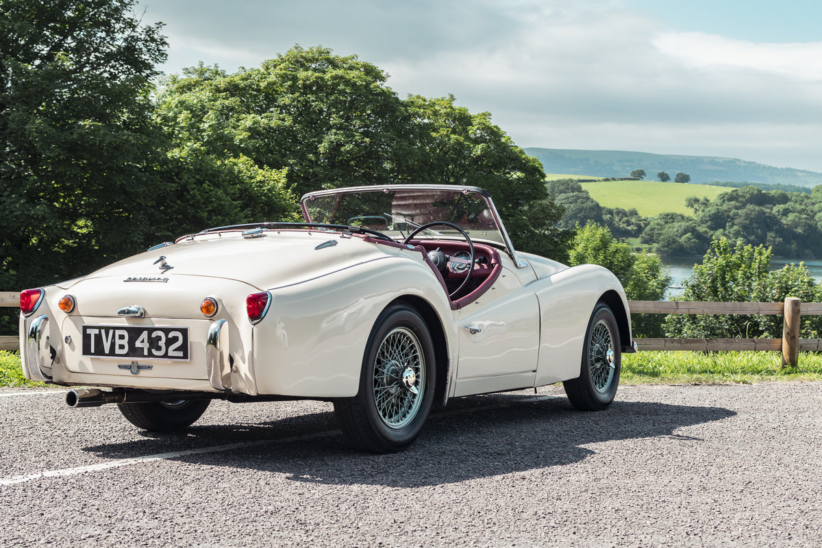 1958 Triumph TR3 A with works hard top, Beautiful condition SOLD (picture 2 of 6)
