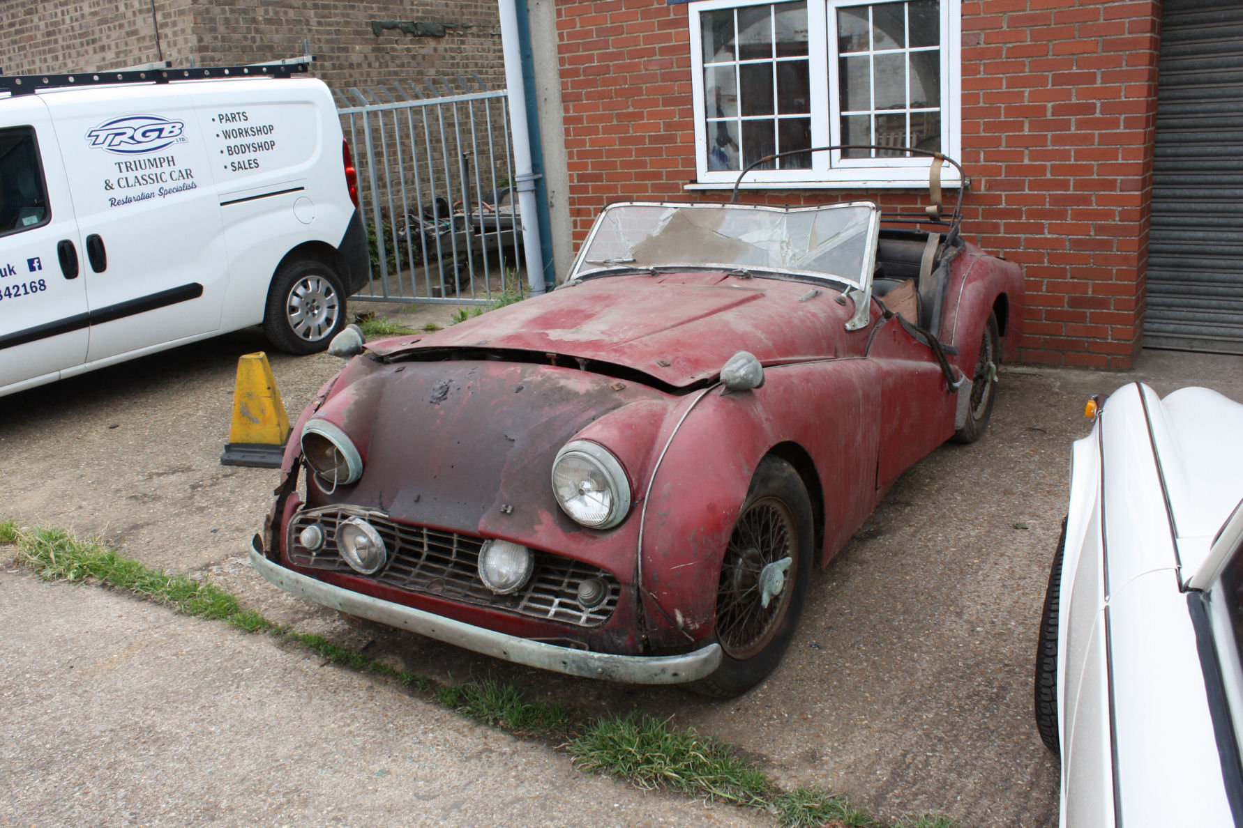 TR3A 1960 GENUINE BARN FIND CAR! SOLD (picture 1 of 5)