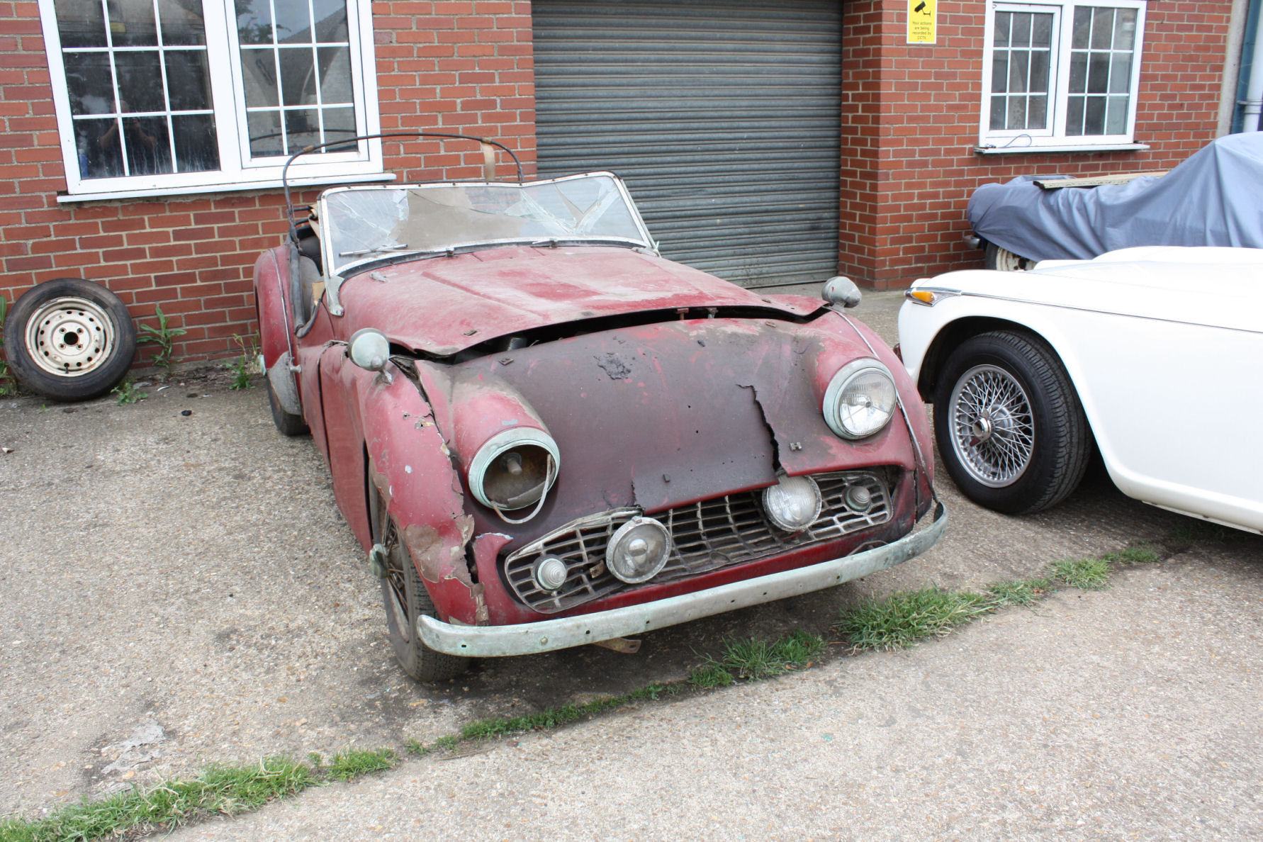 TR3A 1960 GENUINE BARN FIND CAR! SOLD (picture 4 of 5)