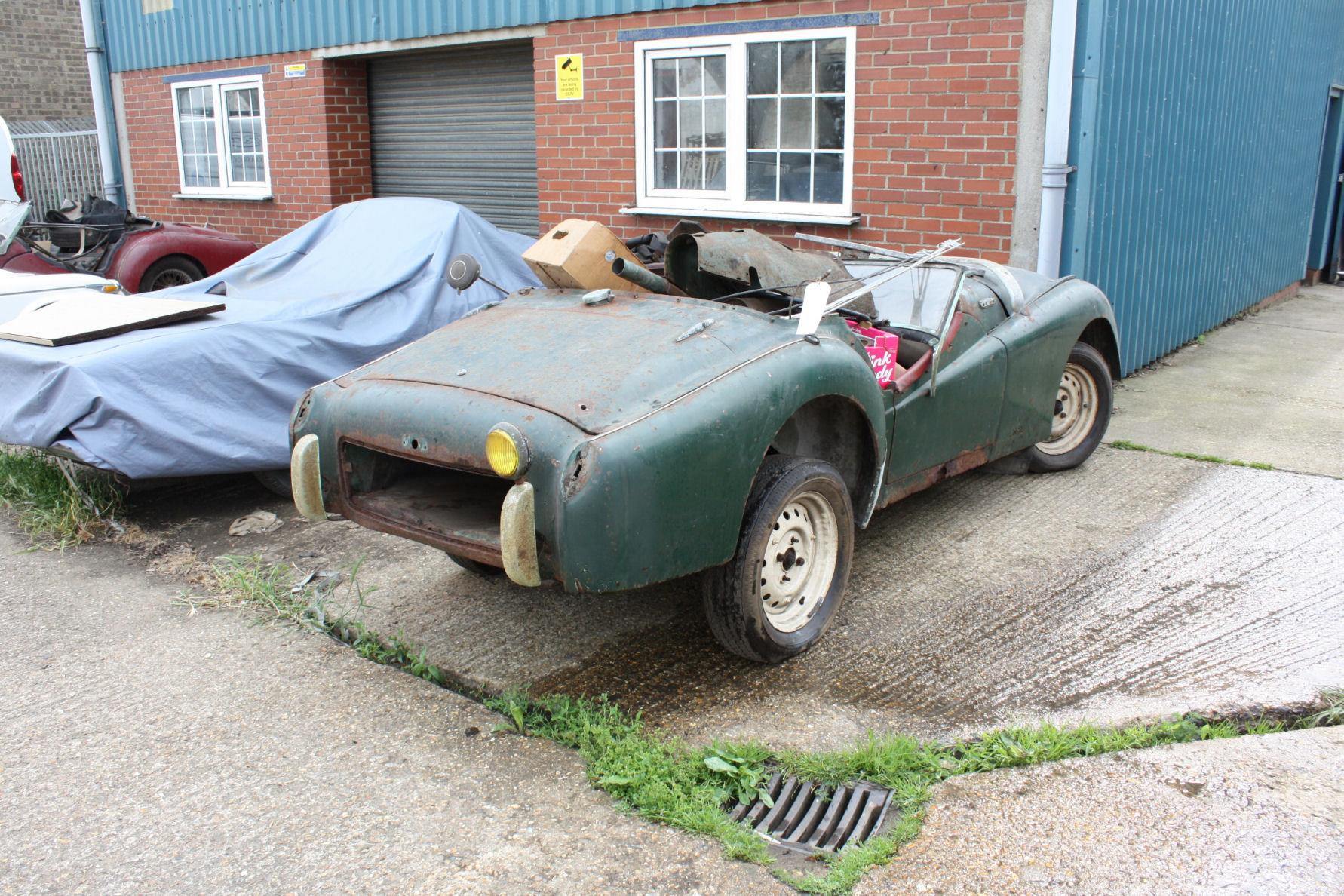 TR2 1955. ORIGINAL UK CAR. FOR RESTORATION SOLD (picture 2 of 6)