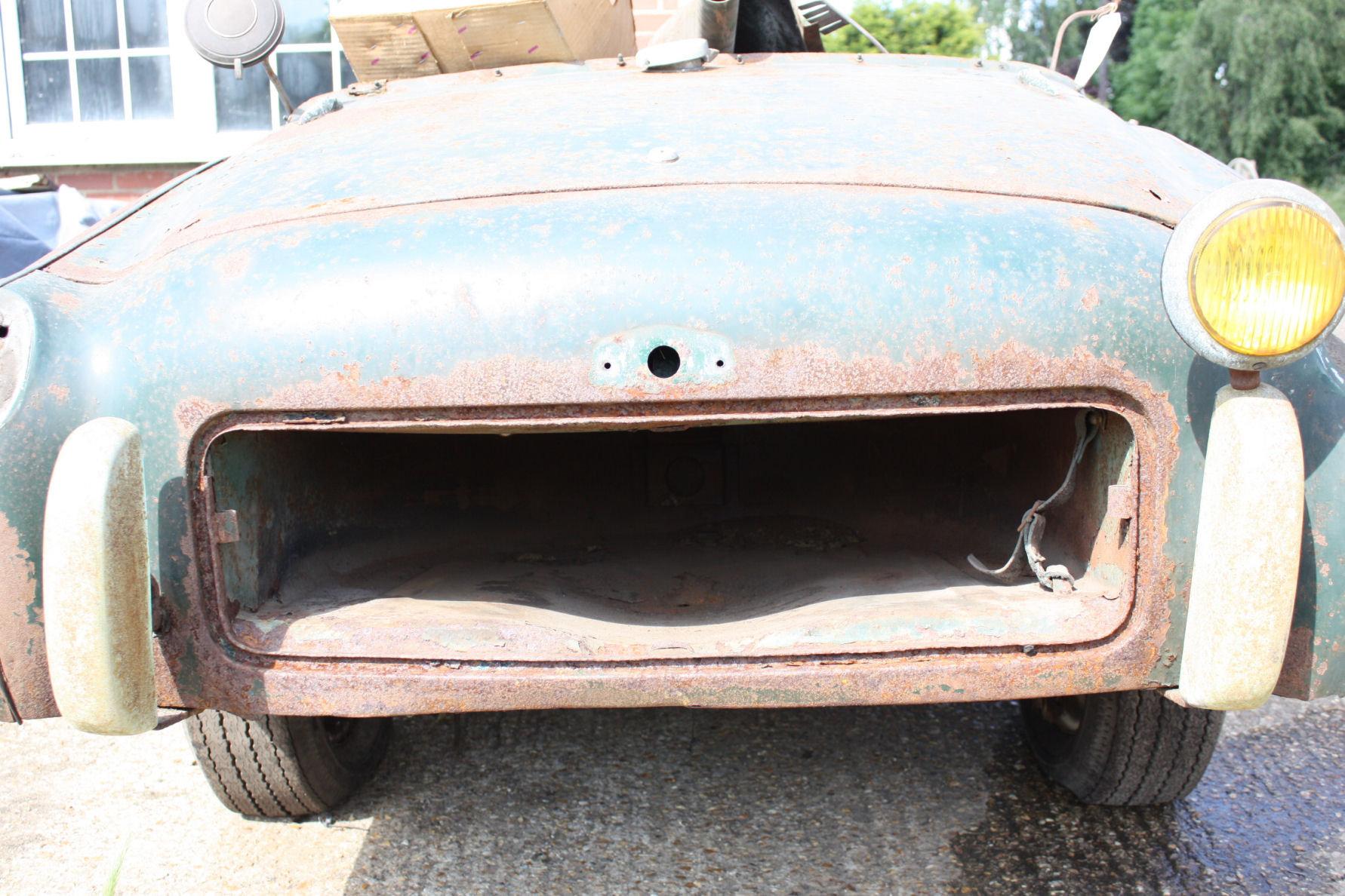 TR2 1955. ORIGINAL UK CAR. FOR RESTORATION SOLD (picture 6 of 6)