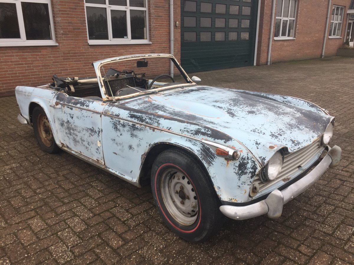 1967 Triumph TR4A for restoration   LHD solid axle model SOLD (picture 2 of 6)
