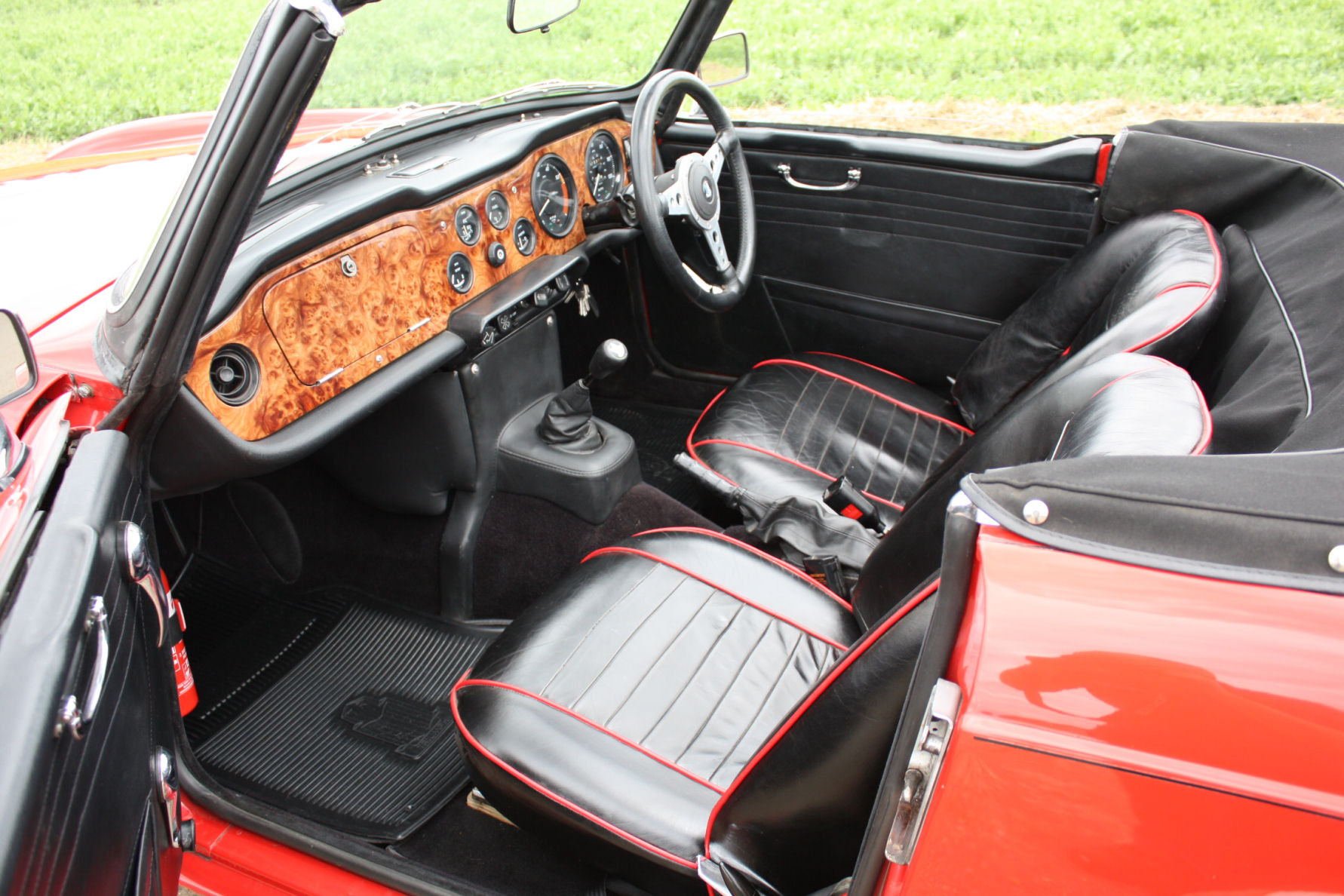 1971 TRIUMPH TR6 150 BHP MODEL WITH OVERDRIVE SOLD (picture 2 of 6)