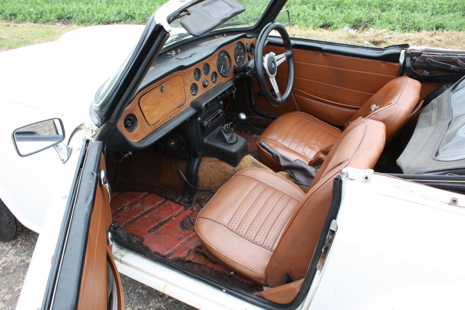 1972 TRIUMPH TR6 ORIGINAL UK CAR SOLD (picture 2 of 6)
