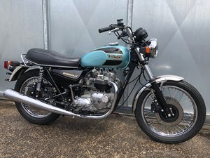 TRIUMPH BONNEVILLE 750 NOS UNUSED DELIVERY MILES ONLY!