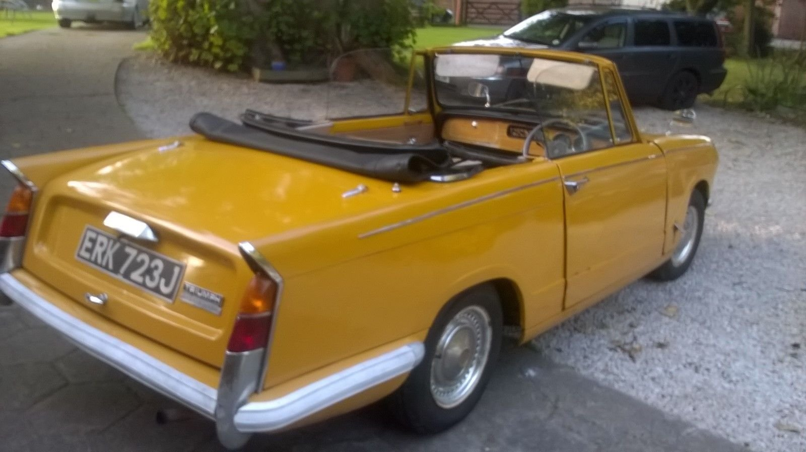 1971 TRIUMPH HERALD CONVERTIBLE SOLD (picture 5 of 6)