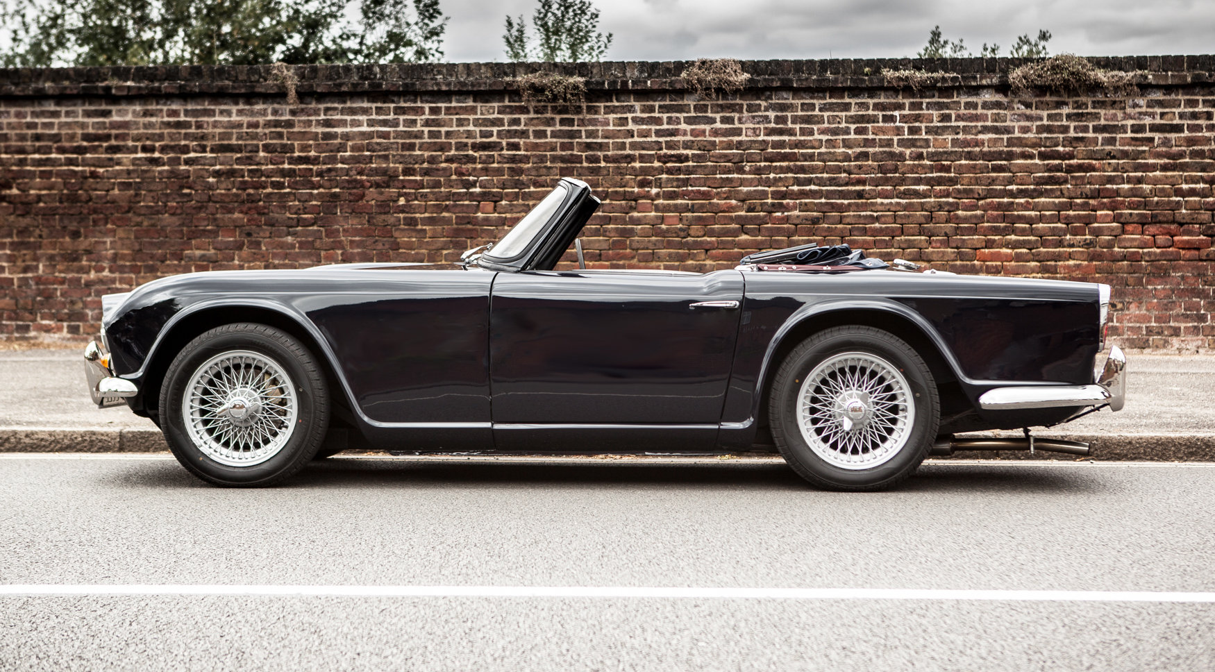 1964 Triumph TR4 with factory fitted overdrive For Sale (picture 2 of 5)