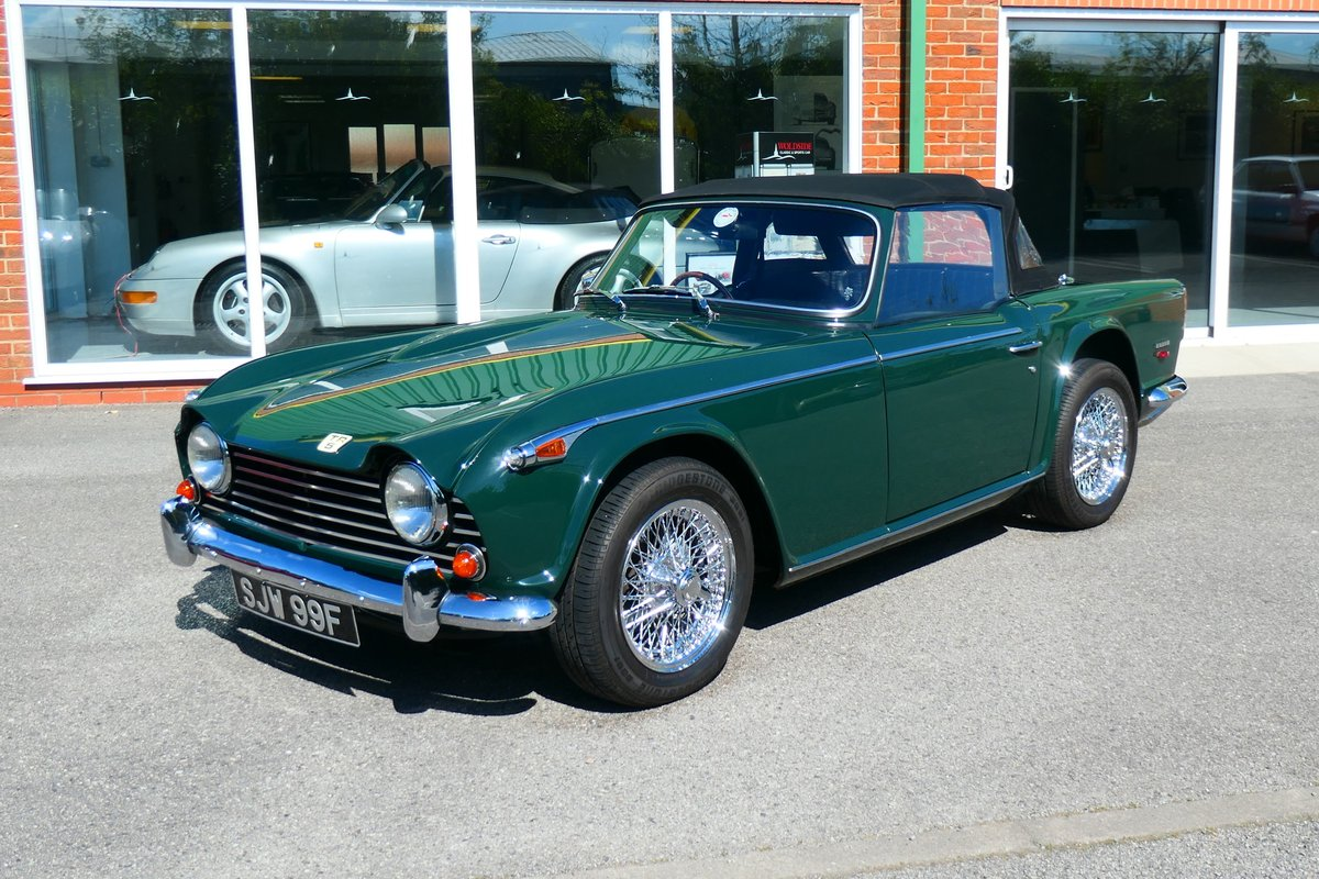 1968 Beautiful Triumph TR5 2.5PI in British Racing Green For Sale (picture 1 of 6)