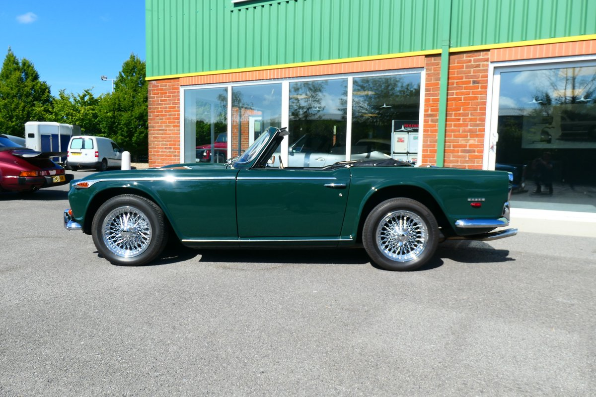 1968 Beautiful Triumph TR5 2.5PI in British Racing Green For Sale (picture 2 of 6)