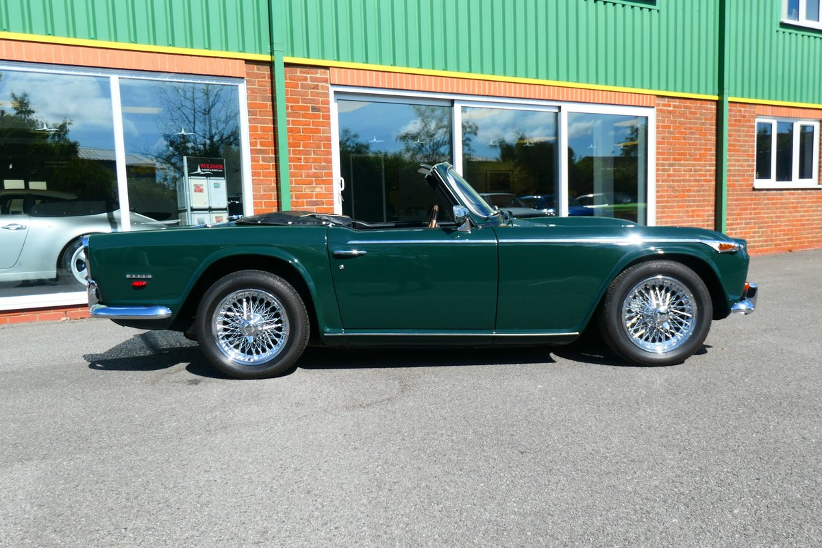 1968 Beautiful Triumph TR5 2.5PI in British Racing Green For Sale (picture 6 of 6)