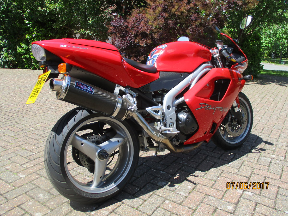 Triumph Daytona 955i Special Edition 2004 For Sale (picture 2 of 4)