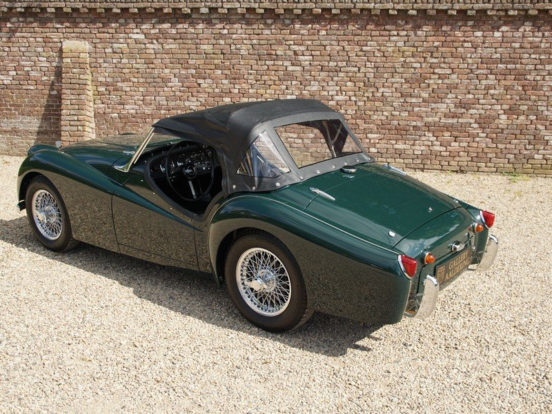 1957 Triumph TR3 Small-Mouth Bare-Metal restored, TOP condition,  For Sale (picture 2 of 6)